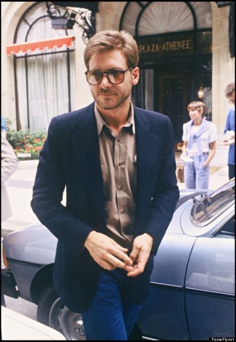 ARCHIVES - HARRISON FORD ET SA FEMME BOULEVARD SAINT GERMAIN A PARIS EN 1980